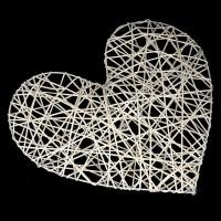 Сердце декоративное на каркасе, белый 25 см