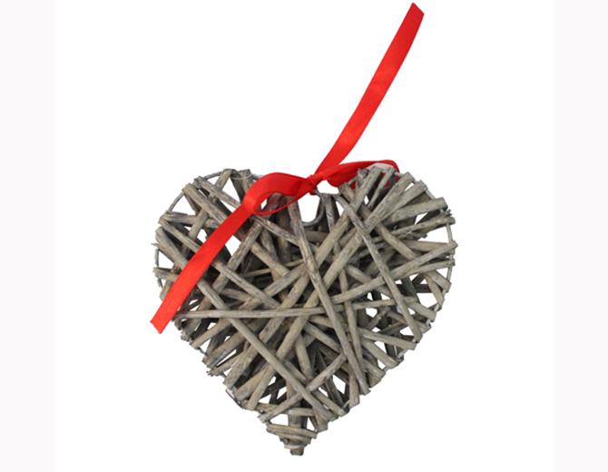 Сердце из ивовых прутьев 15 см