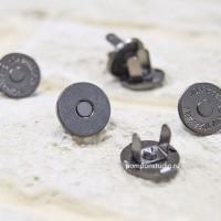 Кнопка магнитная 14 мм круглая (черный никель)