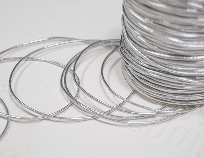 Резинка для альбомов (серебро) 1,5мм (2 м)