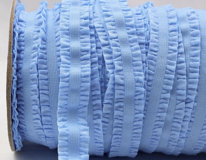 Резинка декоративная с рюшами (голубая)