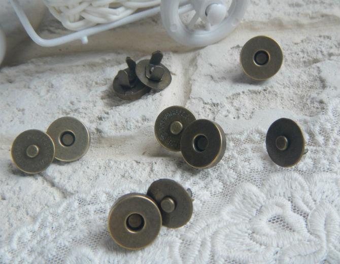 Кнопка магнитная 14 мм