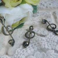 Подвеска Скрипичный ключ с черепом