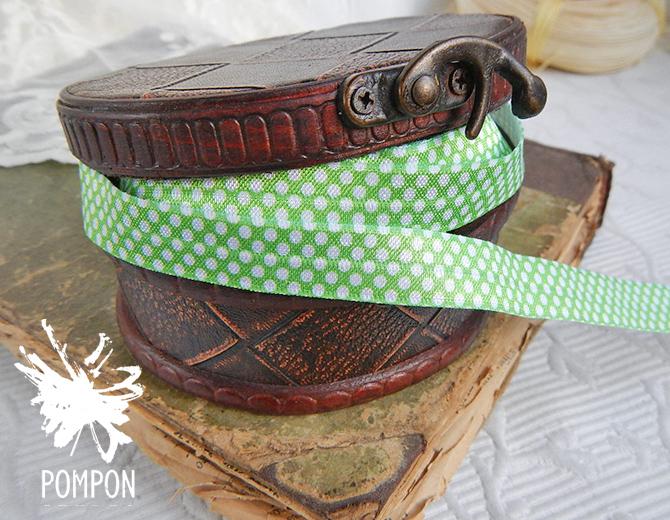 Лента эластичная с принтом (зеленая в горох)