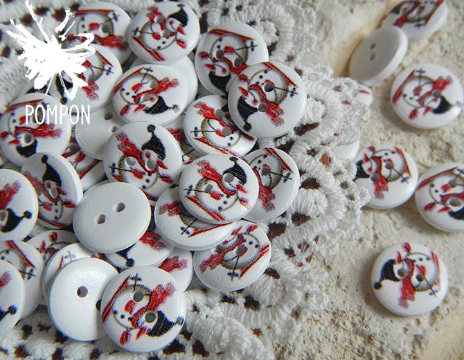 """Пуговицы деревянные с рисунком """"Снеговик на лыжах"""" 5шт."""